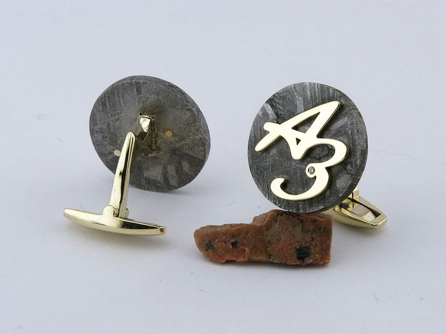 запонки с инициалами на метеорите