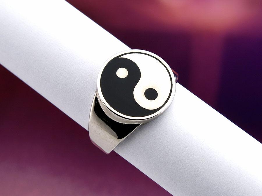 """Перстень """"Инь-Янь"""""""