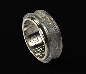 Кольцо с метеоритом. Ювелирная мастерская  quot Ювелирная коллекция quot .  Изготовление на заказ изделий 71d8e6046a9