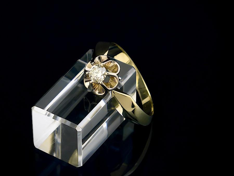 кольцо с бриллиантами тюльпан фото время взрослому человеку