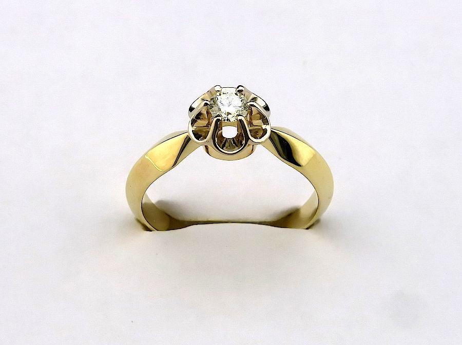 Кольцо с бриллиантами тюльпан фото