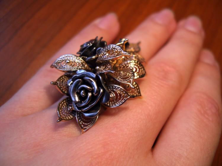 кольцо мужское золотое с сапфиром